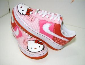 nike-air-force-1-hello-kitty-1